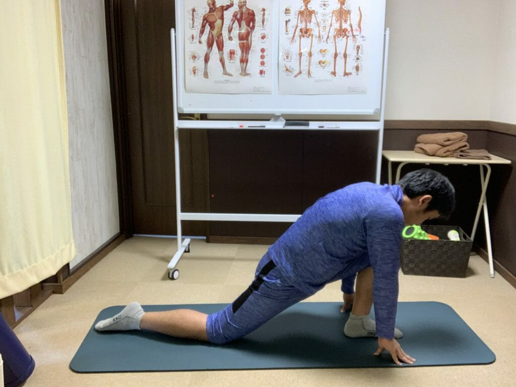 股関節の前のストレッチ【腸腰筋】
