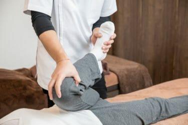 骨盤後傾のストレートバックや猫背を自力矯正!|チェック方法とストレッチ