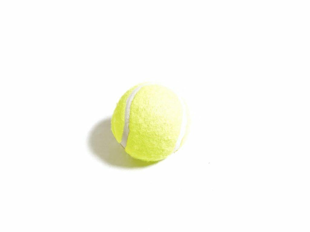 テニスボールはトリガーポイントをマッサージするのに適している