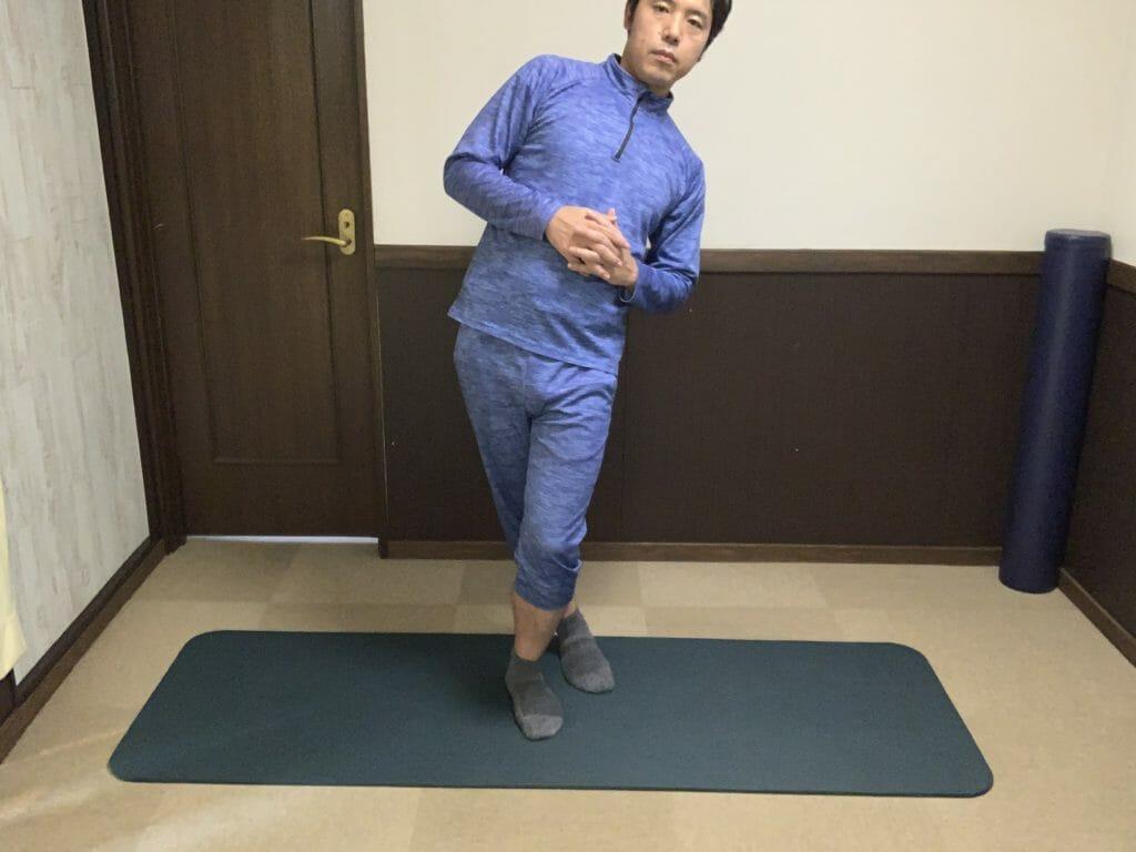 大腿筋膜張筋のストレッチ